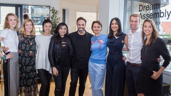 José Neves, fundador e CEO da Farfetch, com os finalistas da segunda edição do Dream Assembly