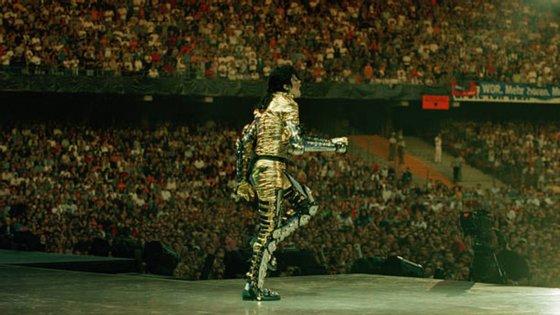 Michael Jackson imortalizou o moonwalk nas suas atuações