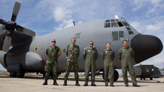 Envios das viaturas e do material são feitos em aviões que partem da Base Aérea N.º 11, em Beja