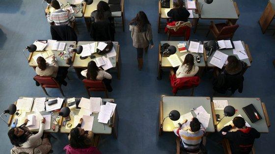 Este ano, cerca de 96 mil alunos do ensino superior candidataram-se a bolsas de ação social
