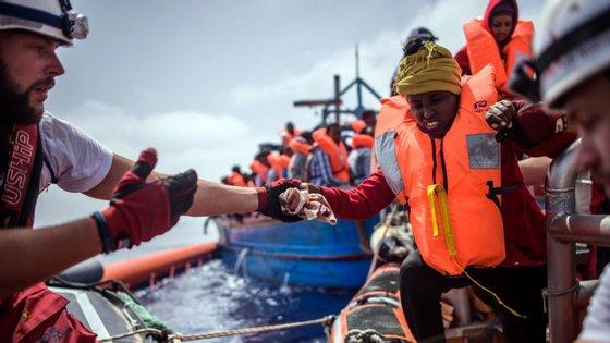 """""""As pessoas enfrentam um grave perigo e até a morte nas mãos de contrabandistas e traficantes"""", reforçou Vincent Cochetel"""