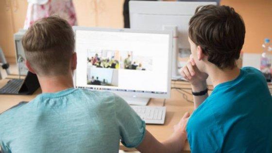 O Summit funciona atualmente em 380 escolas dos Estados Unidos e é utilizado por 72.000 alunos