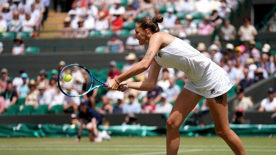 Nos quartos de final do torneio britânico a tenista checa vai defrontar a russa Elina Svitolina