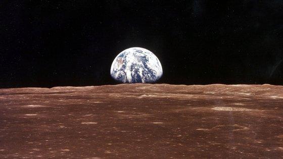 A missão Apollo 11 alunou às 21h17 de Portugal Continental, a 20 de julho de 1969