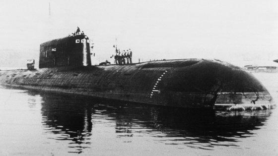 O submarino Komsomolets que se afundou em abril de 1989, numa foto tirada em São Petersburgo (STF/AFP/Getty Images)