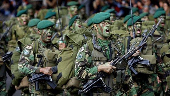 A França convidou militares da Alemanha, Bélgica, Dinamarca, Espanha, Estónia, Finlândia, Holanda, Portugal e Reino Unido