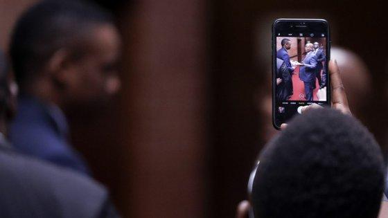 Jacob Zuma deve comparecer na segunda-feira perante a comissão de inquérito Zondo, que investiga alegados escândalos de corrupção durante o seu mandato presidencial (2009-2018).