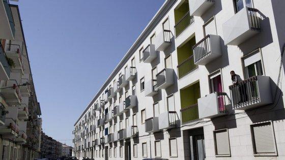 """""""A maioria das transações imobiliárias não foram financiadas com hipotecas"""", afirmou a instituição."""