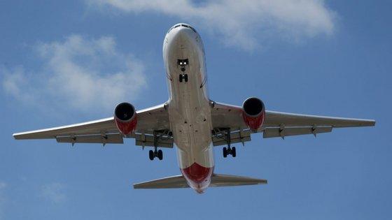 """A campanha tem o intuito de """"alertar e sensibilizar para o impacto do ruído dos aviões sobre a cidade de Lisboa"""""""