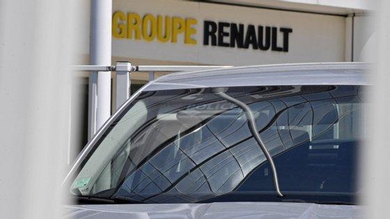 O fabricante francês sublinhou num comunicado que aumentará o seu capital social para converter-se em acionista de referência do JMEV, com uma participação de 50%