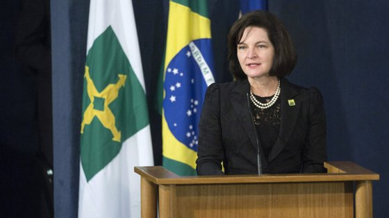 O filho de Jair Bolsonaro estava a ser investigado depois de ter detetado transações suspeitas realizadas entre Flávio Bolsonaro e Fabrício Queiroz, um seu ex-assessor na Assembleia Legislativa do Rio de Janeiro (Alerj)