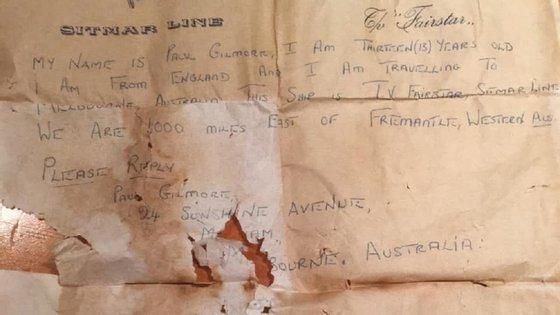 A carta datava de 1969 e foi assinada por um jovem inglês de 13 anos, Paul Gilmore, que contava que estava a bordo de um navio de migrantes