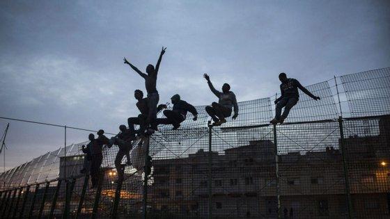 A agência de fronteiras da União Europeia diz que se registaram 57.000 entradas não autorizadas em Espanha, em 2018