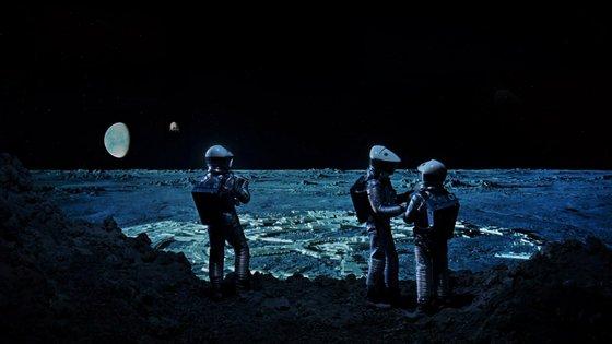 """As soberbas paisagens lunares de """"2001: Odisseia no Espaço"""", de Stanley Kubrick (1968)"""