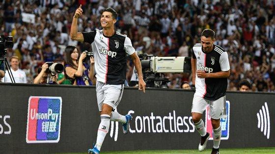 Ronaldo marcou o golo da Juventus que fez a reviravolta, saiu aos 62' e viu do banco nova viragem no resultado do Tottenham