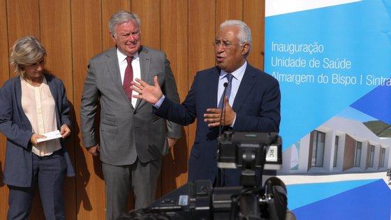 O primeiro-ministro criticou esta segunda-feira o exercício dos poderes regulatório dos médicos