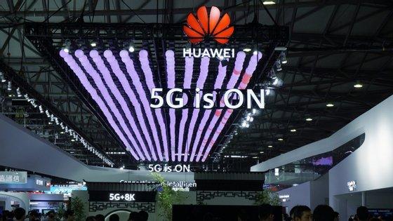 """A tecnológica chinesa Huawei pediu a Bruxelas que não reaja com base """"em boatos"""""""