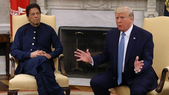 As declarações do líder dos Estados Unidos surgiram num encontro na Casa Branca com Imran Khan