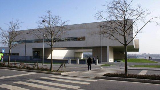 A biblioteca municipal de Viana do Castelo, que representou um investimento de 4,5 milhões de euros, foi inaugurada em janeiro de 2008 pelo então primeiro-ministro José Sócrates.