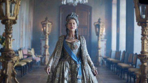 A atriz inglesa Hellen Mirren é Catarina, a Grande, na minissérie sobre o fim do reinado da imperatriz russa