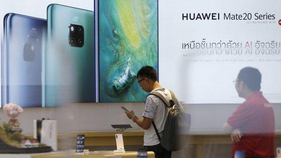 Nos primeiros seis meses de 2019, a Huawei vendeu 118 milhões unidades de diferentes produtos
