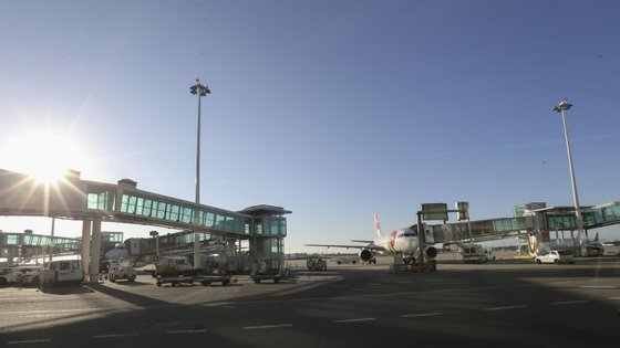 A taxa de crescimento do número de passageiros justifica as obras no aeroporto