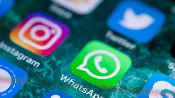 O Instagram foi comprado pelo Facebook há sete anos. Dois anos depois, Zuckerberg comprou o WhatsApp