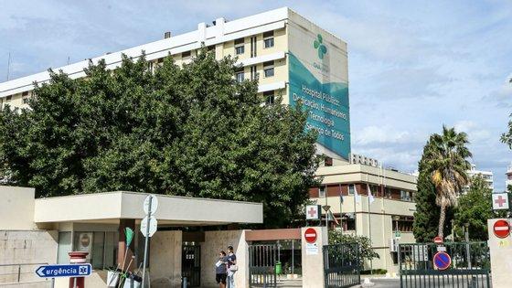 Hospital de Faro já não tinha incubadoras disponíveis e grávida foi transportada de ambulância