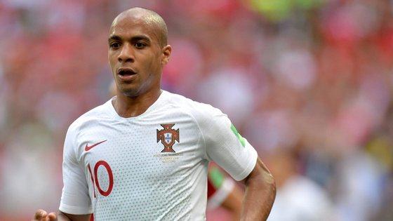 O médio, de 26 anos, formado no Sporting, confessou ainda que se aconselhou com os compatriotas Éder e Manuel Fernandes