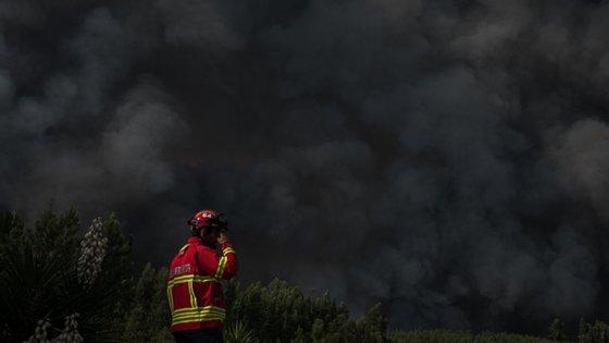 """Durante a tarde, foram retiradas pessoas de Vila do Touro, Sabugal, """"e levadas para os locais de abrigo, mas só por precaução"""""""