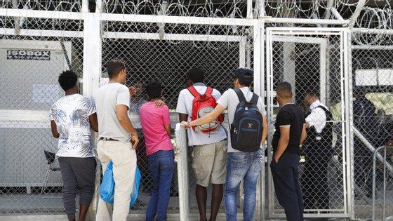 As ilhas gregas no Mar Egeu acolhem neste momento mais de 20.000 pessoas