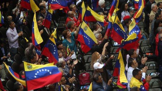 4,3 milhões de venezuelanos deixaram o seu país por causa da crise e encontram-se na sua grande maioria noutros países da América do Sul