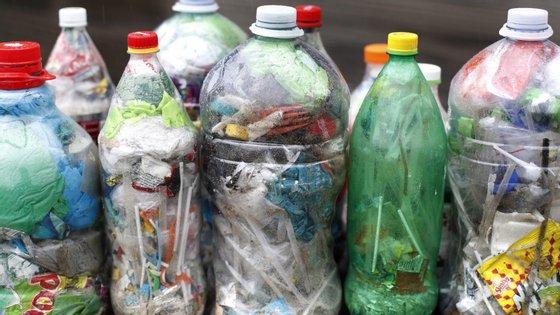 Em Portugal, cerca de 40% dos resíduos de plástico ainda são colocados em aterros