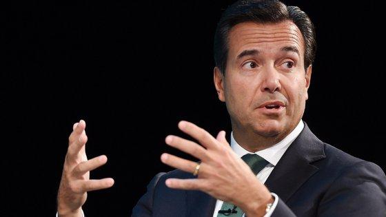 António Horta Osório é presidente da comissão executiva do britânico Lloyds Bank, sedeado numa das principais praças financeiras do Mundo, Londres.