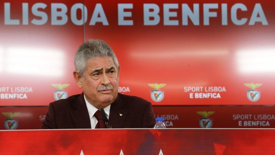 Luís Filipe Vieira protagonizou o momento mais quente da AG do Benfica, tendo mesmo de ser travado por seguranças