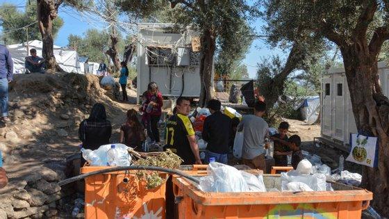 Os migrantes exigem sair de imediato da ilha e pedem melhores condições de vida
