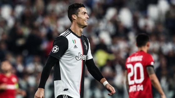Ronaldo marcou à 33.ª equipa na Champions, é o maior goleador da competição e passou a ser o jogador com mais triunfos na prova