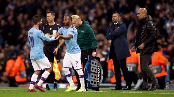 Sterling entrou para o lugar de Bernardo Silva na segunda parte, marcou o 1-0 e ainda fez a assistência para o 2-0 final