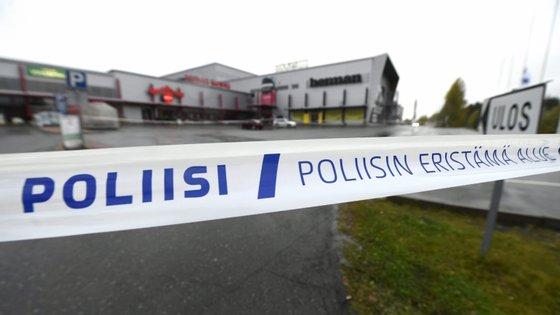 A polícia descobriu cocktails molotov na casa do suspeito
