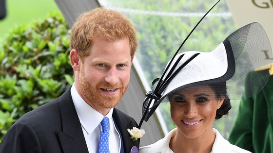 """Segundo o comunicado emitido pelo Palácio de Buckingham, o príncipe Harry queixa-se de """"interceção ilegal de mensagens de correio de voz"""""""