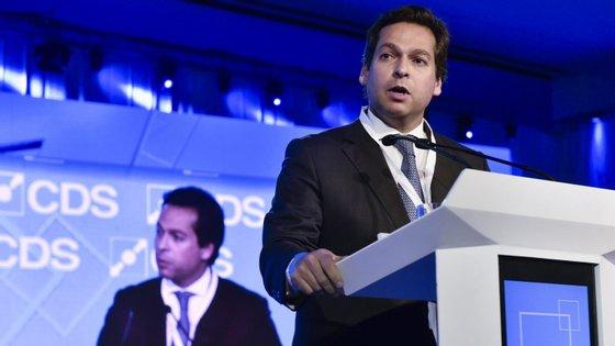 """O ex-deputado Filipe Lobo d'Ávila do grupo """"Juntos pelo Futuro"""" do CDS"""