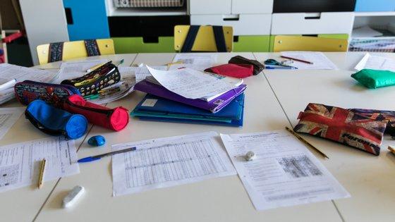 """O Ministério da Educação revelou ter sinalizado """"casos muito pontuais"""" de escolas que estão com dificuldade em preencher horários."""
