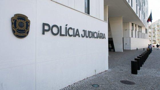 O suspeito vai ser presente a primeiro interrogatório judicial para aplicação das medidas de coação