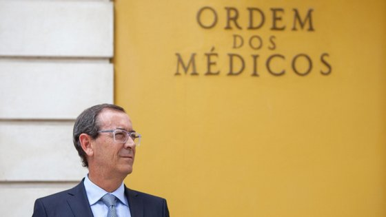 O bastonário falou aos jornalistas numa conferência de imprensa, na sede da Ordem dos Médicos