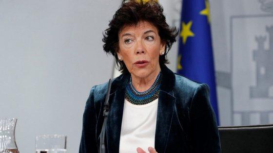 """""""Antes das eleições não há ambiente"""" para um encontro entre Sánchez e Torra, afirmou Isabel Celaá"""