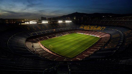 A ideia inicial e inversão do jogo não agradou aos clubes, que propuseram em conjunto a data de 18 de dezembro