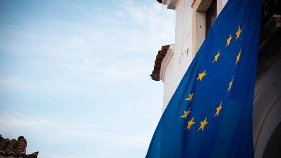 Os 27 Estados-membros da União Europeia já se mostraram favoráveis a um novo adiamento do Brexit