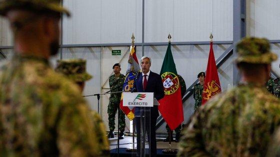 """O pagamento da dívida, que ascende a 90 milhões de euros, """"será efetuado ao longo de três anos, adiantou João Gomes Cravinho"""