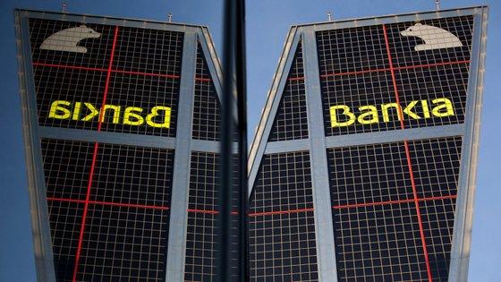 O diretor executivo, José Sevilla, indicou que o impulso comercial permitiu ao banco manter a margem de juros estável