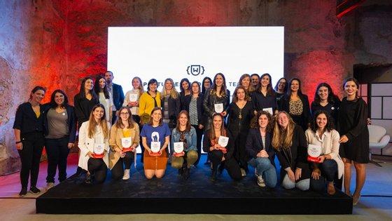 "A vencedoras dos ""Portuguese Women in Tech Awards"" com os prémios"